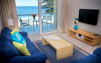 Oceanview Beach Apartment - Living Area/Balcony - holiday accommodation rentals for short term stays in Perth