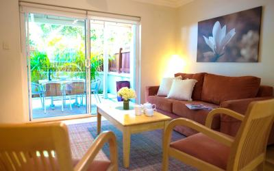 Cottesloe Waters Apartment 3 - Living room - holiday accommodation rentals for short term stays in Perth