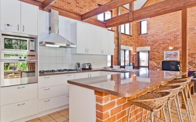 Cottesloe Renaissance Beach House - Kitchen - holiday accommodation rentals for short term stays in Perth