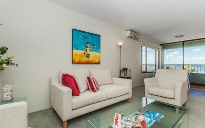 Claremont River View Apartment - Living Area - holiday accommodation rentals for short term stays in Perth