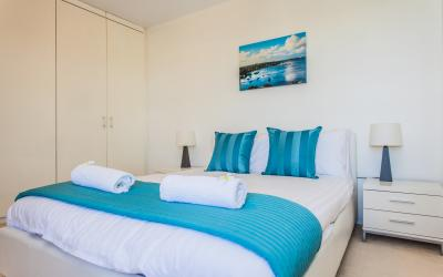 Swan River Executive Apartment - Bedroom - holiday accommodation rentals for short term stays in Perth