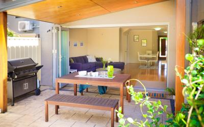 Cottesloe Villa Number 3 - Living/Outdoor area- holiday accommodation rentals for short term stays in Perth