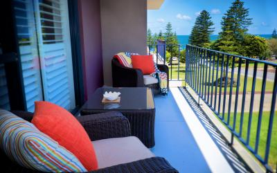 Cottesloe Parkside Apartment - Balcony/Outdoor Area - holiday accommodation rentals for short term stays in Perth