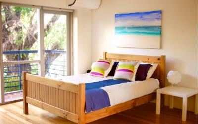 Cottesloe Studio 105 - Bedroom - holiday accommodation rentals for short term stays in Perth