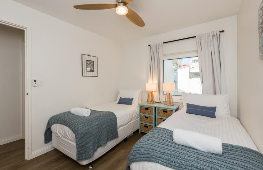 Cottesloe Blue Apartment - Bathroom - holiday accommodation rentals for short term stays in Perth