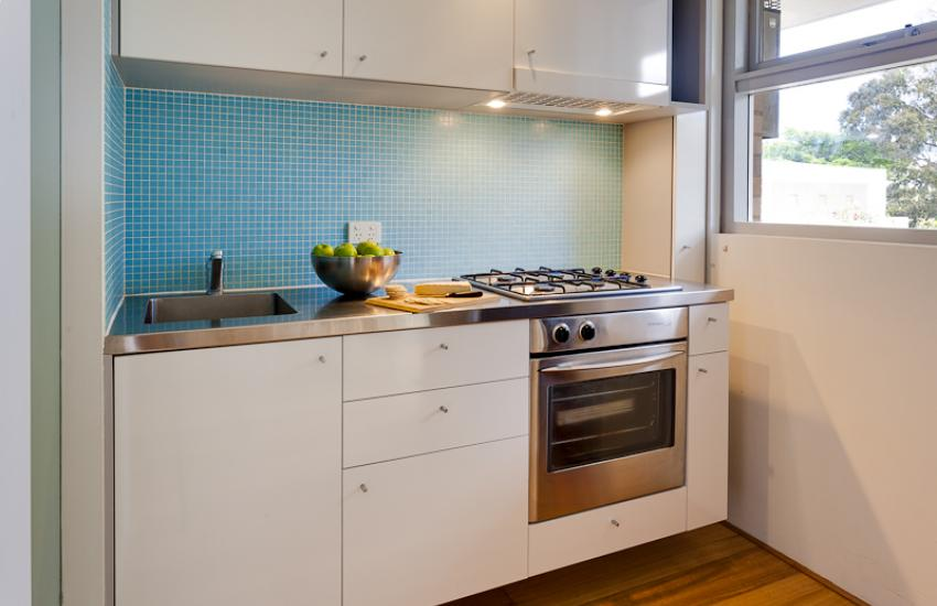 Cottesloe Studio 105 - Kitchen - holiday accommodation rentals for short term stays in Perth