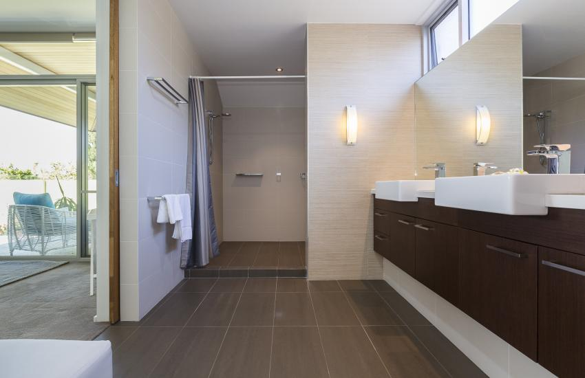 Cottesloe Luxury Villa- Ensuite Bathroom- Short stay holiday accommodation rentals