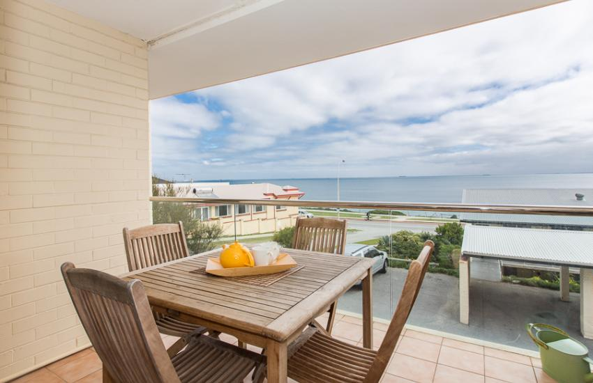 Cottesloe Beachlife Apartment - Balcony - holiday accommodation rentals for short term stays in Perth
