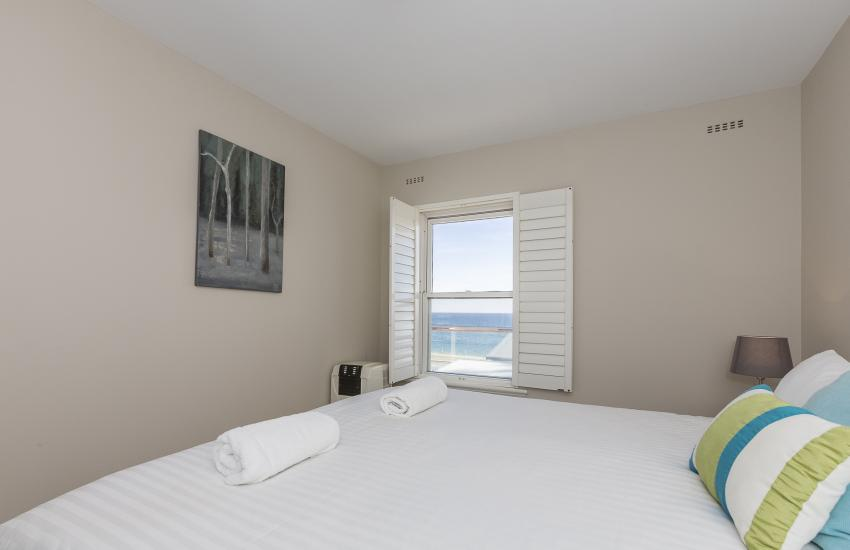 Cottesloe Azura Apartment - Master Bedroom - Short Term Accommodation Holiday Apartment Perth Western Australia
