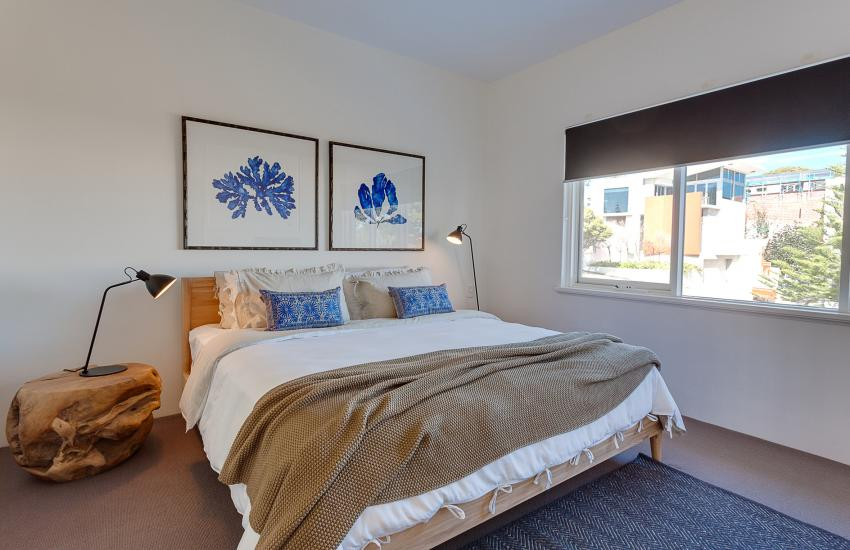 Cottesloe Executive Beach House - Bedroom - holiday accommodation rentals for short term stays in Perth
