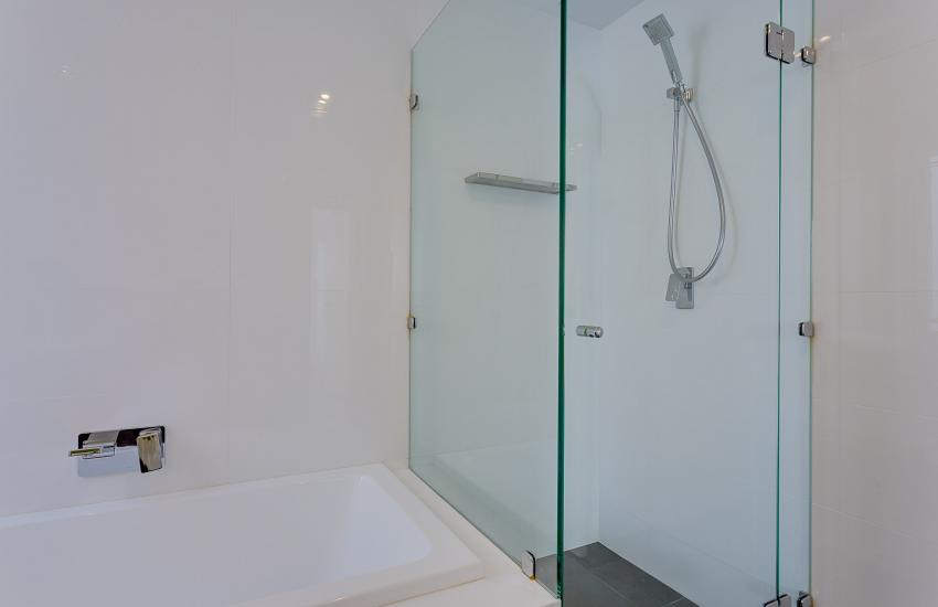 Cottesloe Executive Beach House - Bathroom - holiday accommodation rentals for short term stays in Perth