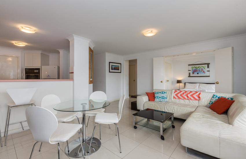 The Cove Beach Apartment - Kitchen - Cottesloe Short Stay Accommodation