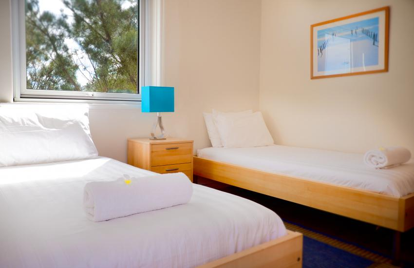 Oceanview Beach Apartment - Bedroom - holiday accommodation rentals for short term stays in Perth