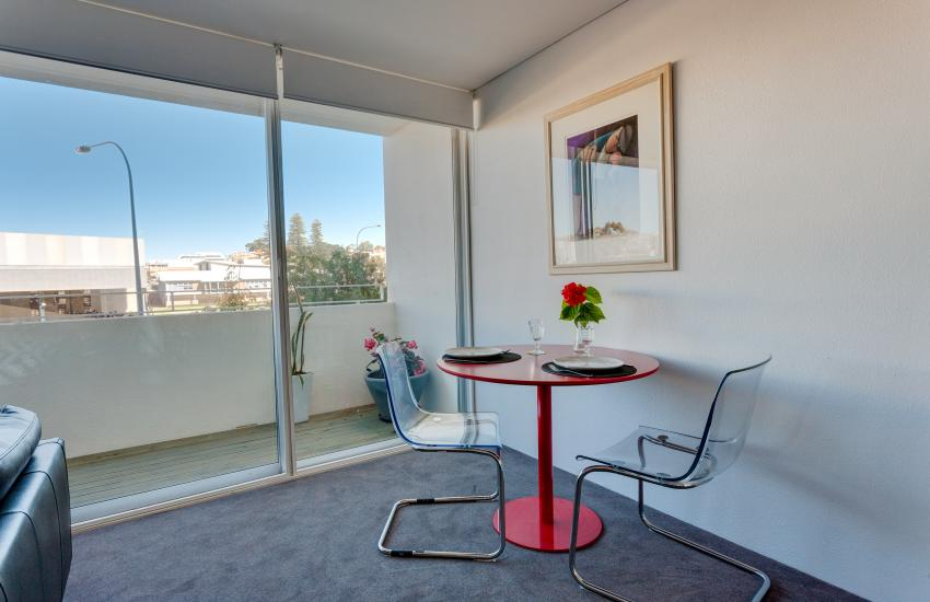 Inmode Claremont Apartment- Living- holiday accommodation rentals for short term stays in Perth