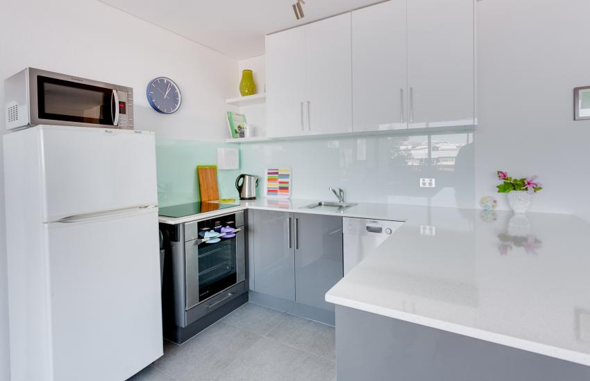 Inmode Claremont Apartment- Kitchen- holiday accommodation rentals for short term stays in Perth
