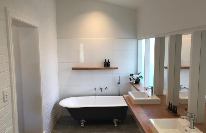 Cottesloe Sunnyside Cottage - Ensuite Bathroom - holiday accommodation rentals for short term stays in Perth
