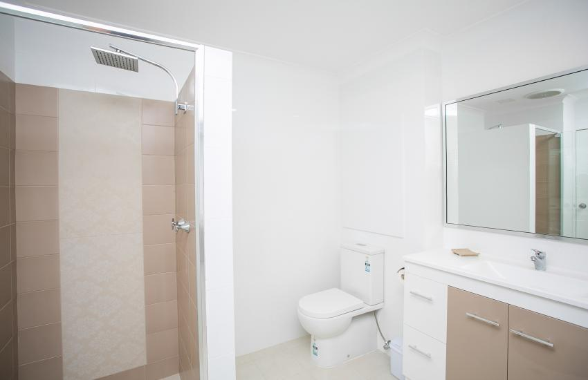 Scarborough Seaside Apartment 121 - Bathroom - Short term accommodation in Perth Western Australia