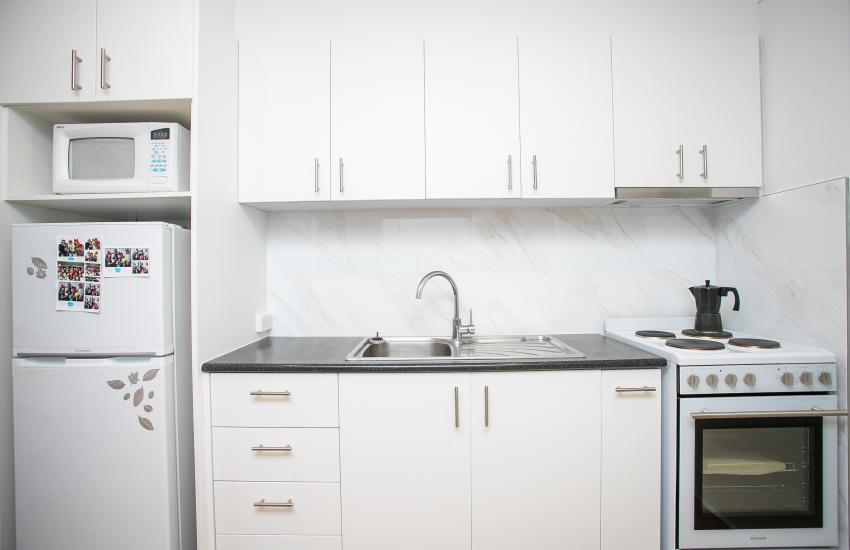 Scarborough Seaside Apartment 121 - Kitchen - Short term accommodation in Perth Western Australia