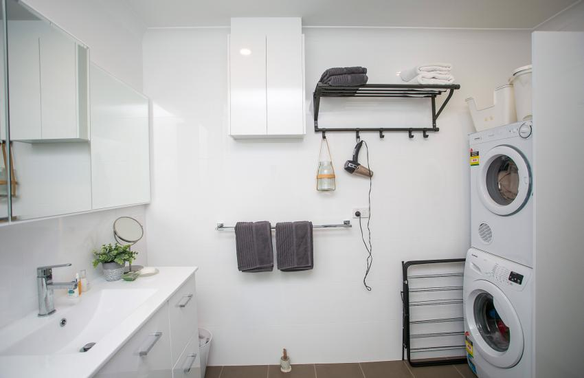 Scarborough Seaside Apartment 217 - Bathroom - Short term accommodation in Perth Western Australia