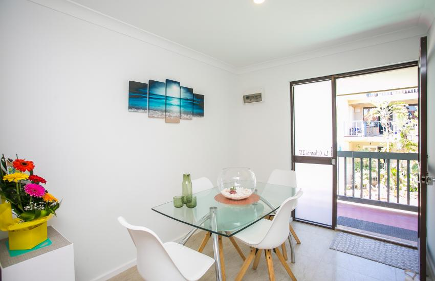 Scarborough Seaside Apartment 217 - Dining Room - Short term accommodation in Perth Western Australia