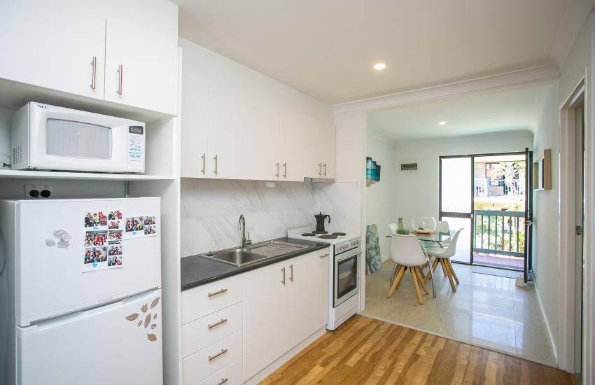 Scarborough Seaside Apartment 217 - Kitchen - Short term accommodation in Perth Western Australia