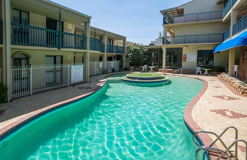 Scarborough Seaside Apartment 217 - Complex Pool - Short term accommodation in Perth Western Australia