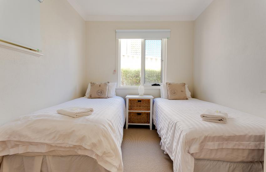 Cottesloe Beach House I - Bedroom - holiday accommodation rentals for short term stays in Perth