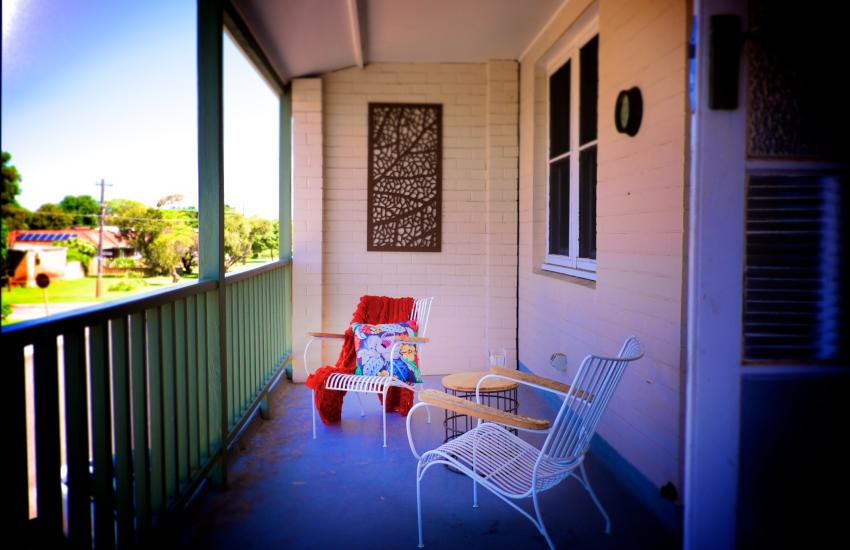 UrbanStyle Claremont Apartment - Balcony - holiday accommodation rentals for short term stays in Perth