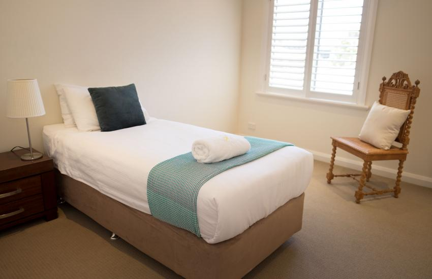 Inner Western Suburbs Retreat - Bedroom - holiday accommodation rentals for short  term stays in Perth