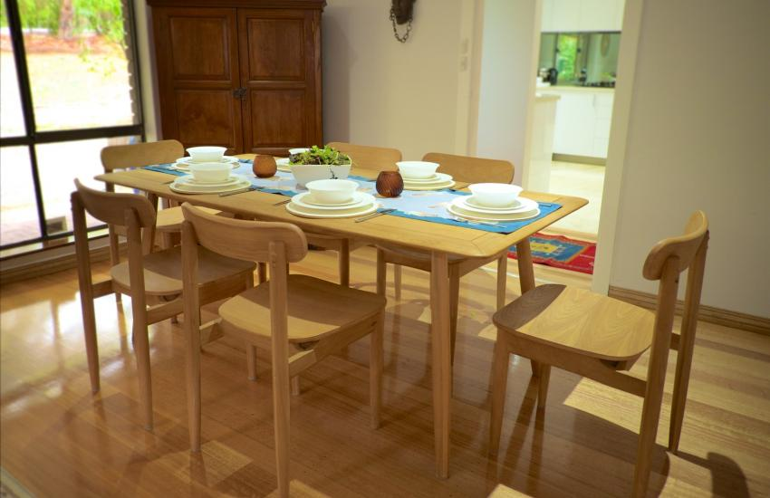 The Classic Australian Family House - Dining area - holiday accommodation rentals for short term stays in Perth