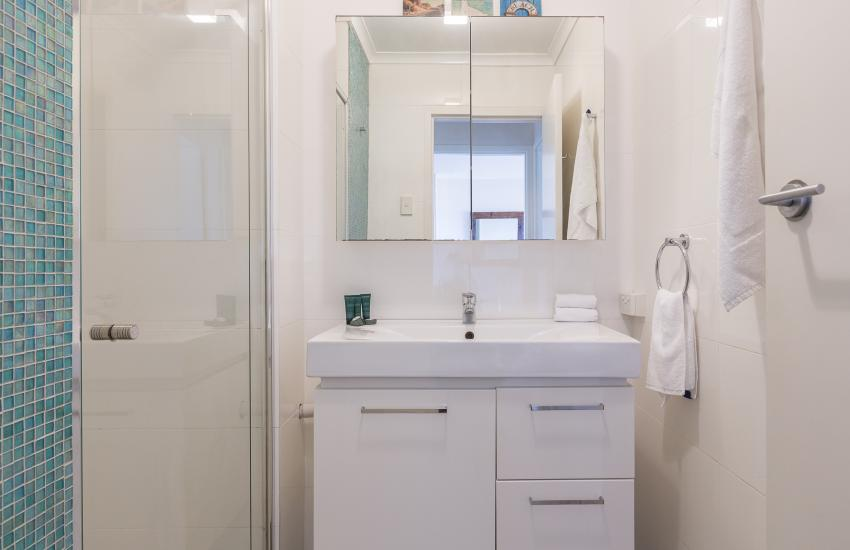 Cottesloe Sakura Blue Apartment - Bathroom - holiday accommodation rentals for short term stays in Perth