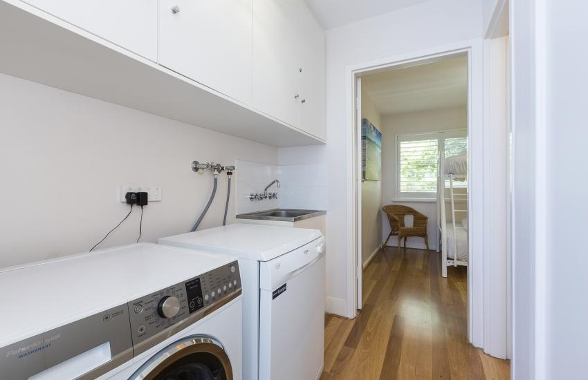 Cottesloe Sakura Blue Apartment - Laundry Facilities - holiday accommodation rentals for short term stays in Perth