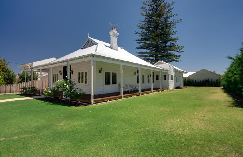 Strickland Park Family House - Outdoor Area - holiday accommodation rentals for short term stays in Perth
