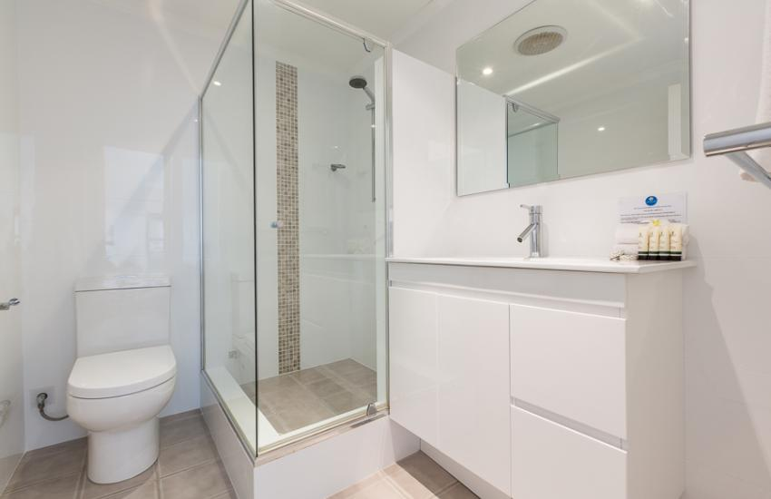 Cottesloe Samsara Apartment  - Bathroom - holiday accommodation rentals for short  term stays in Perth