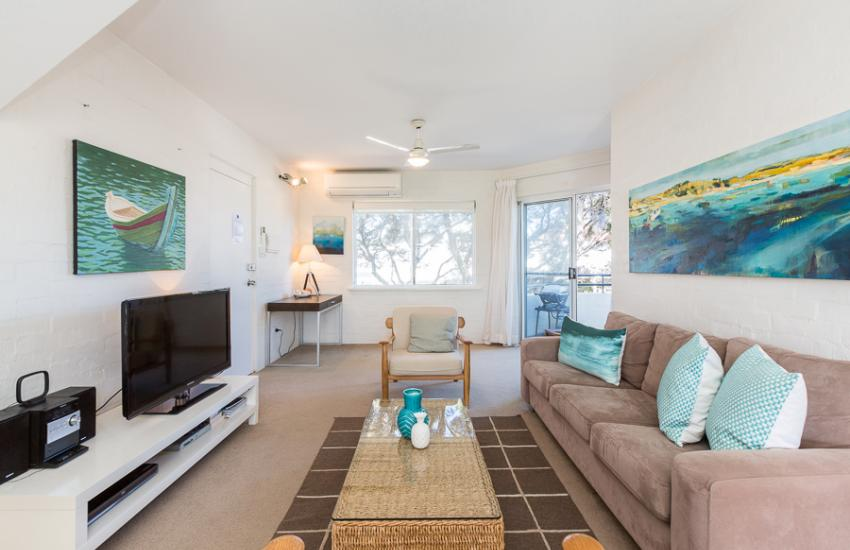 Cottesloe Samsara Apartment Dining Area Kitchen Holiday Accommodation Rentals For Short Term Stays