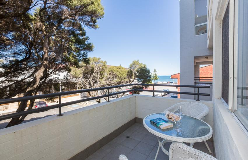 Cottesloe Samsara Apartment  - Balcony - holiday accommodation rentals for short  term stays in Perth