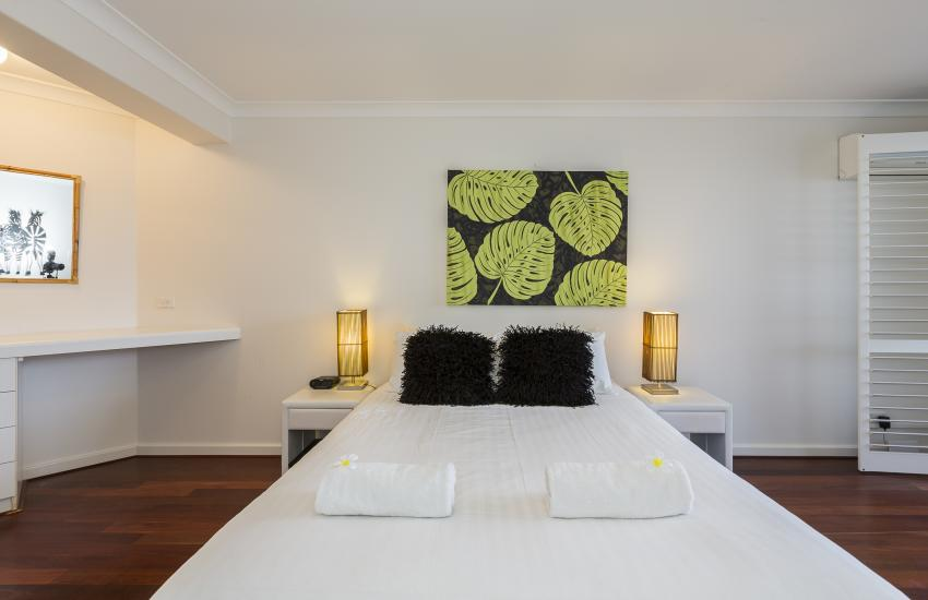 Cottesloe Seaview Apartment - Master Bedroom - holiday accommodation rentals for short  term stays in Perth