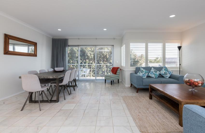 Cottesloe Beach House II - Living Area - holiday accommodation rentals for short term stays in Perth