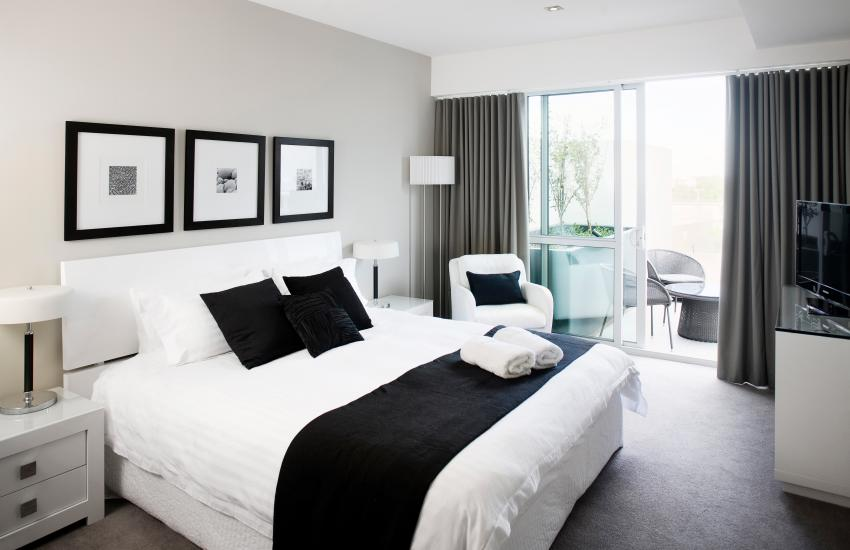 Claremont Quarter Luxury Apartment - Bedroom - holiday accommodation rentals for short term stays in Perth