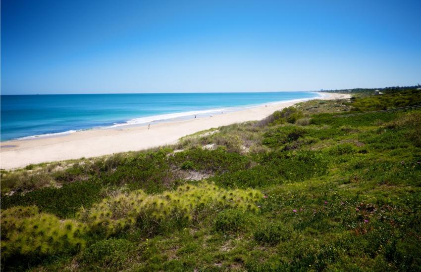 Golden Sands Beach Apartment - Cottesloe Beach - holiday accommodation rentals for short  term stays in Perth