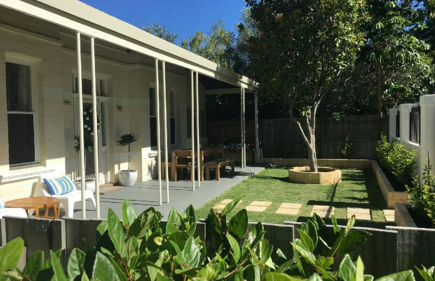 Cottesloe Sunnyside Cottage - Front Yard - holiday accommodation rentals for short term stays in Perth