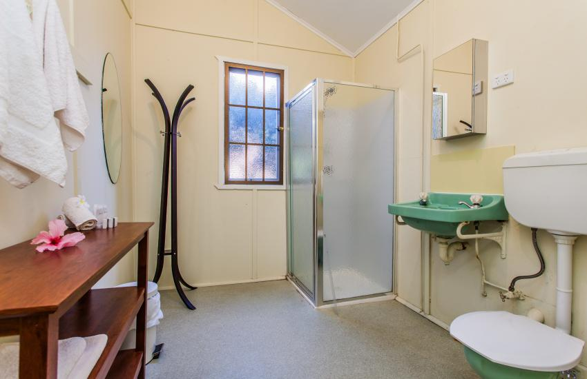 The Curtin Family Home - Bathroom - holiday accommodation rentals for short term stays in Perth