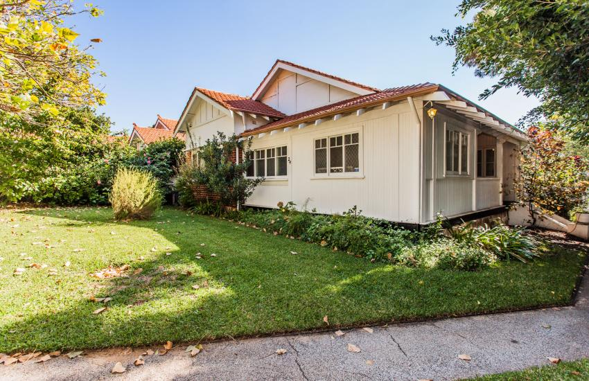 The Curtin Family Home - Outdoor Area - holiday accommodation rentals for short term stays in Perth