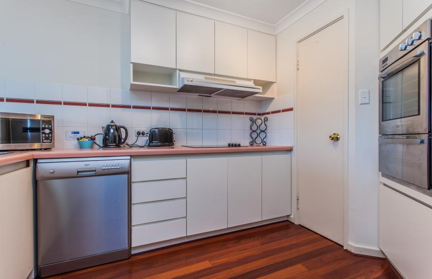 Cottesloe Seaview Apartment - Kitchen - holiday accommodation rentals for short  term stays in Perth