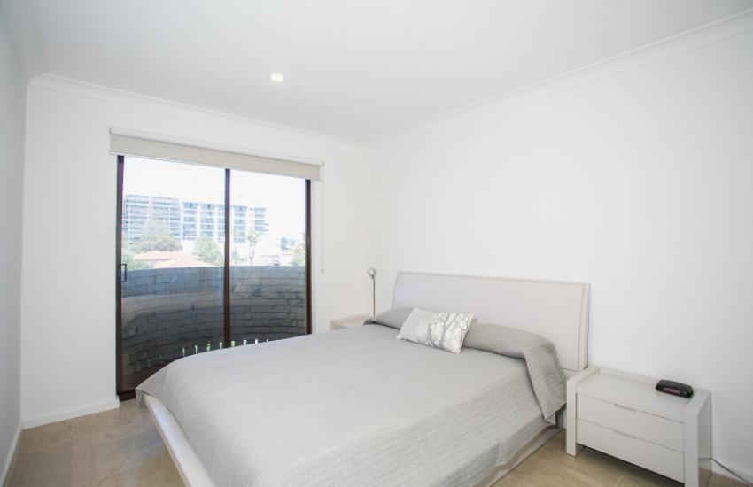 Scarborough Seaside Apartment 121 - Master Bedroom - Short term accommodation in Perth Western Australia