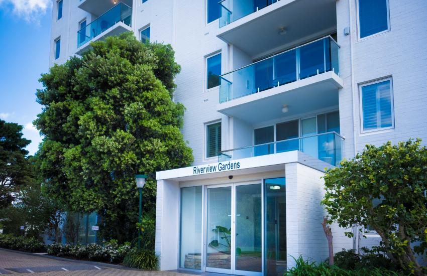 Claremont Vogue Apartment - Building - holiday accommodation rentals for short term stays in Perth
