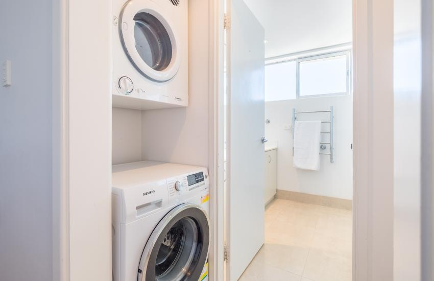 1 bedroom fully furnished apartment, Cottesloe Western Australia - Laundry Facilities