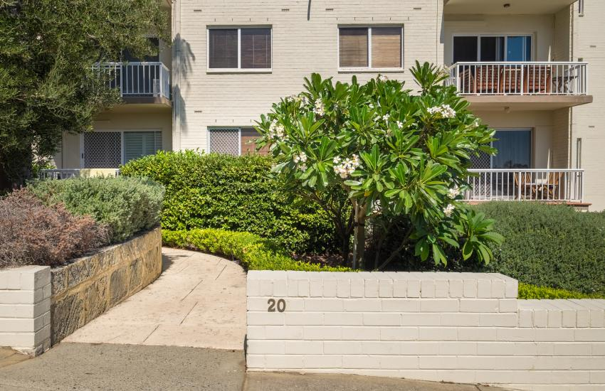 1 bedroom fully furnished apartment, Cottesloe Western Australia - Front of Building