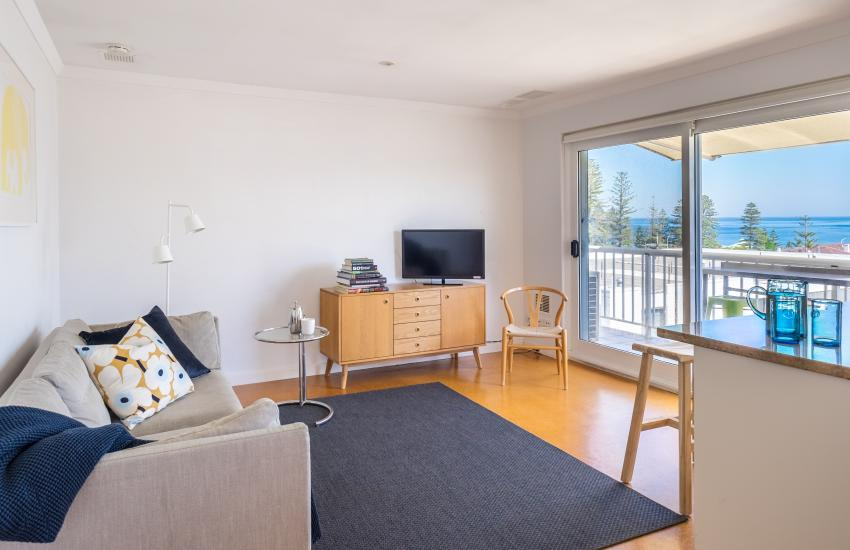 1 bedroom fully furnished apartment, Cottesloe Western Australia - Living Area