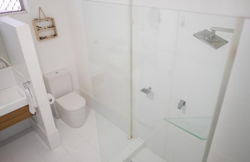 Cottesloe Beach on Napier - Bathroom - Cottesloe Fully Furnished Accommodation, Perth Western Australia